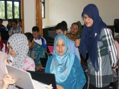 Kegiatan Diklat dan TOT TIK untuk Pembelajaran Tingkat Dasar Bekerjasama dengan Microsoft
